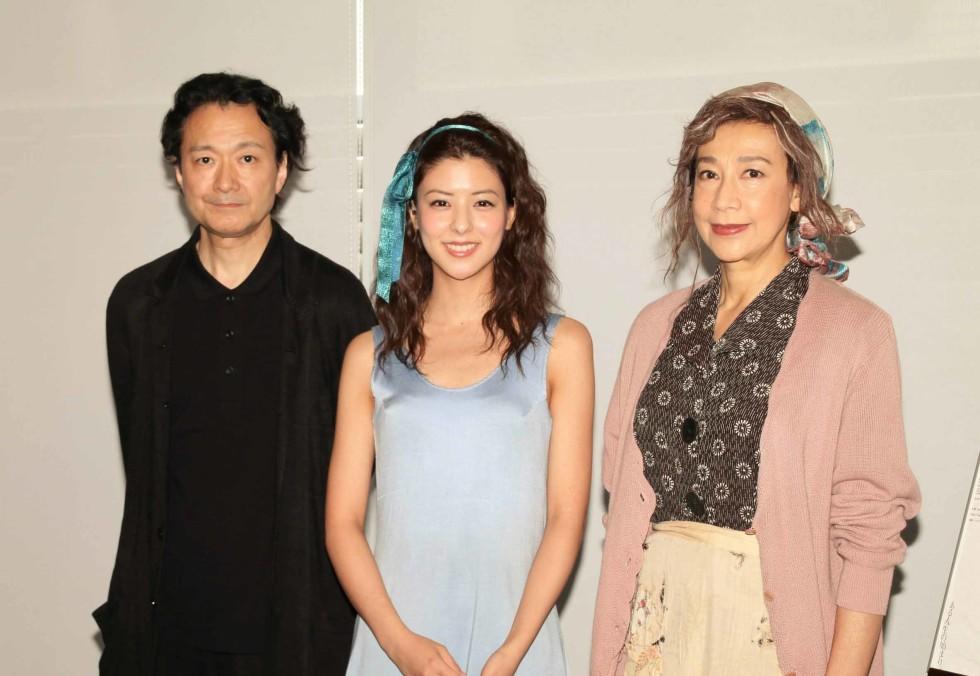 (左から)白井晃氏、藤井美菜、前田美波里