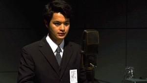 NHKのアナウンサー、和田信賢役
