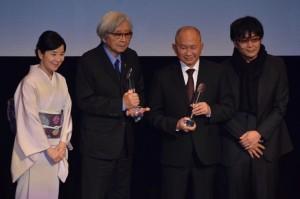 (左から)吉永小百合、山田洋次監督、ジョン・ウー監督、大友啓史監督