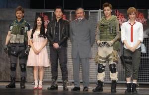 (左から)中村誠治郎、倉持明日香、矢崎広、千葉真一、栗山航、飛鳥凛