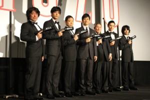 (左から)羽住英一郎監督、松坂桃李、香川照之、西島秀俊、ビートたけし、伊勢谷友介、池松壮亮