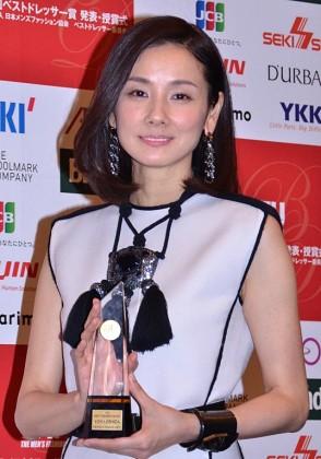 「第44回ベストドレッサー賞2015」を受賞した吉田羊
