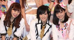 (左から)渡辺美優紀、山本彩、橋本環奈