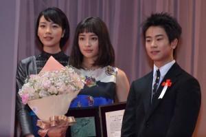 (左から)能年玲奈、広瀬すず、前田旺志郎