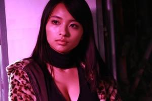 『KIRI-「職業・殺し屋。」外伝-』の水崎綾女 (C) 2015東映ビデオ/エクセレントフィルムズ