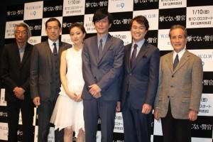 (左から)長崎俊一監督、嶋田久作、中越典子、田辺誠一、石黒賢、山本學
