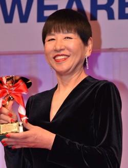 「第27回 日本ジュエリーベストドレッサー賞」60代以上部門を受賞した和田アキ子