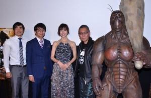 (左から)ハマカーン、篠田麻里子、三池崇史監督