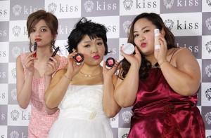 (左から)瑛茉ジャスミン、オカリナ、ゆいP