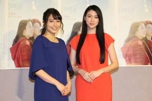 広瀬アリス(左)と三吉彩花