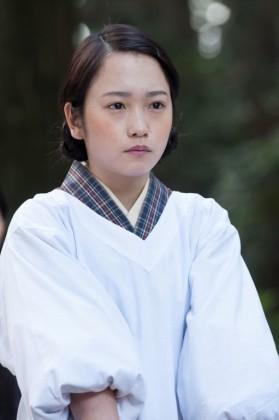 森田富江役の川栄李奈