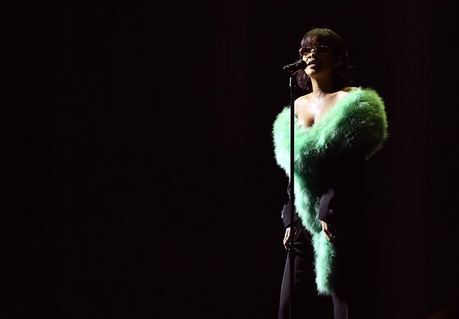 【2016 Billboard Music Awards】マドンナ&スティーヴィー・ワンダー、ジャスティン・ビーバー、リアーナ、アリアナ・グランデなど全18パフォーマンス映像&写真総まとめ 画像13