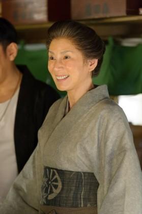 森田まつ役の秋野暢子