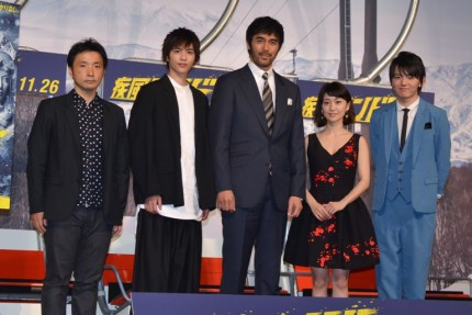 (左から)吉田照幸監督、志尊淳、阿部寛、大島優子、濱田龍臣
