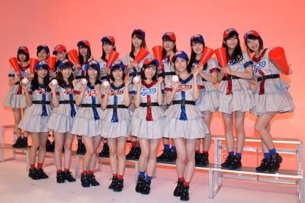 高校野球選抜メンバー16人が登場
