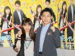 NHK BSプレミアムドラマ「受験のシンデレラ」試写会見に登場した川口春奈(左)と小泉孝太郎