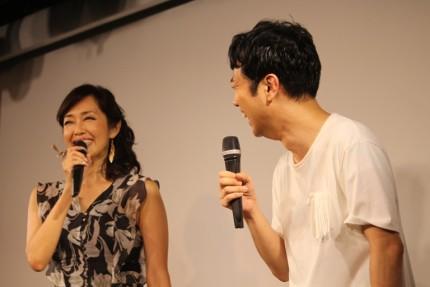 早見優(左)と藤井隆