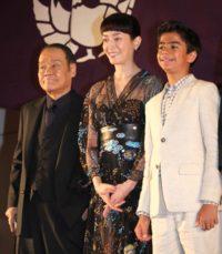(左から)西田敏行、宮沢りえ、ニール・セディ