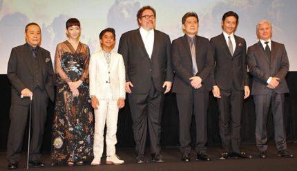 (左から)西田敏行、宮沢りえ、ニール・セディ、ジョン・ファヴロー監督、松本幸四郎、伊勢谷友介、プロデューサーのブリガム・テイラー