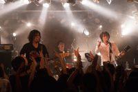 鶴  書き下ろしの新曲のみで構成した日本2周ツアーや新曲ワンマンツアー経てアルバム『ニューカマー』完成!ライブでいち早く披露 画像1