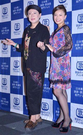 取材会に出席した(左から)美川憲一、三船美佳