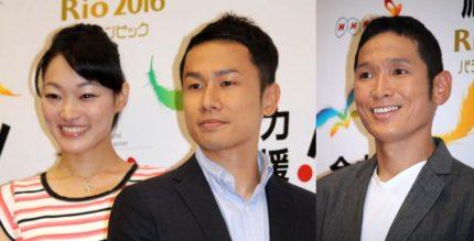 手話キャスターの(左から)貴田みどりさん、板鼻英二さんと早瀬憲太郎さん