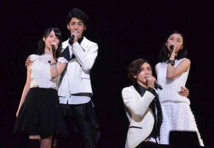(左から)生田絵梨花、大野拓朗、古川雄大、木下晴香