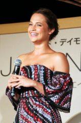 映画『ジェイソン・ボーン』イベントに登場したアリシア・ヴィキャンデル (C)Universal Pictures