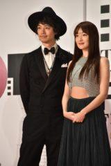 斎藤工(左)と高梨臨