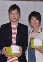元漫才コンビを演じる塚本高史(左)と小池徹平
