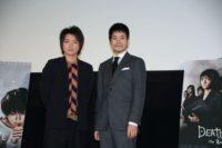 藤原竜也(左)と松山ケンイチ