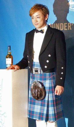 スコットランドの伝統的な衣装であるキルトを身にまとって登場した山本耕史