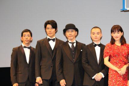(左から)野間口徹、鈴木亮平、小林薫、染谷将太、綾瀬はるか