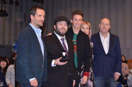 (左から)デイビッド・ヘイマンプロデューサー、ダン・フォグラー、エディ・レッドメイン、アリソン・スドル、デイビッド・イェーツ監督