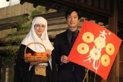 柴咲コウ(左)と堺雅人