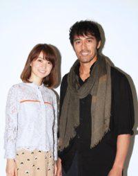 大島優子(左)と阿部寛