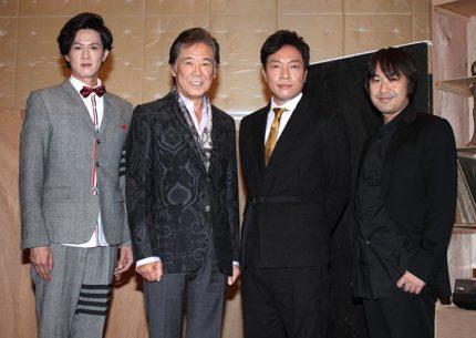 「スルース〜探偵〜」に出演する(左から)新納慎也、西岡徳馬、音尾琢真、演出家の深作健太