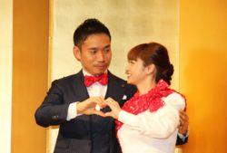 ツーショットで結婚会見を開いた長友佑都選手(左)と平愛梨