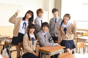 (前列左から)平祐奈、中川大志、(後列左から)池田エライザ、高杉真宙、千葉雄大、岡崎紗絵