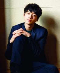 大学生役を演じる坂口健太郎