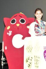 にゃんごすたー(左)と新木優子