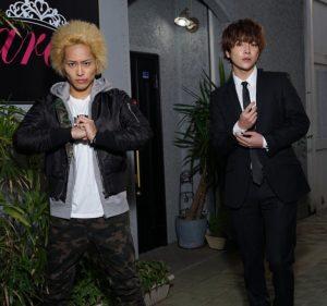 平埜生成(左)とユナク