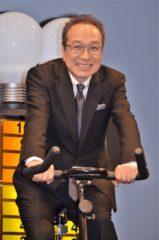 自転車をこいで発電に挑んだ小日向文世