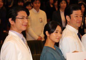 (左から)及川光博、木村文乃、浅野忠信