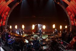 MAN WITH A MISSION【The World's On Fire TOUR 2016】ライブ映像のダイジェスト公開 画像1
