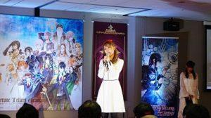 サラ・オレインがゲームアプリ1周年イベントにサプライズ出演、テーマ曲「Glory」をアカペラで披露 画像1