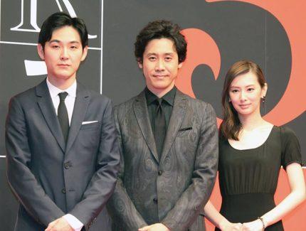 (左から)松田龍平、大泉洋、北川景子