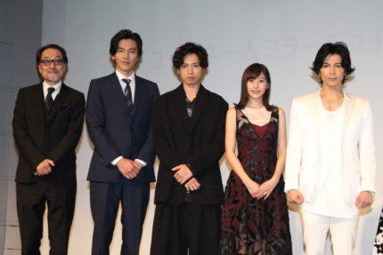 (左から)原作者の広井王子氏、要潤、桐山漣、佐野ひなこ、武田真治