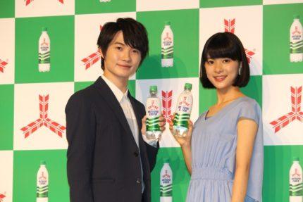 神木隆之介(左)と芳根京子