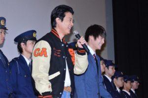 息の合った凸凹コンビの(左から)唐沢寿明、窪田正孝